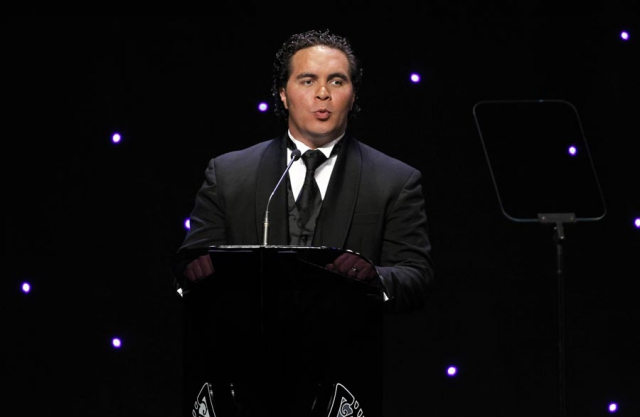 Awards MC Te Arahi Maipi. Trillian Trust 20th Maori Sports Awards, Telstra Clear Events Centre, Manukau, Auckland, Saturday 4 December 2010. Photo: Simon Watts/photosport.co.nz