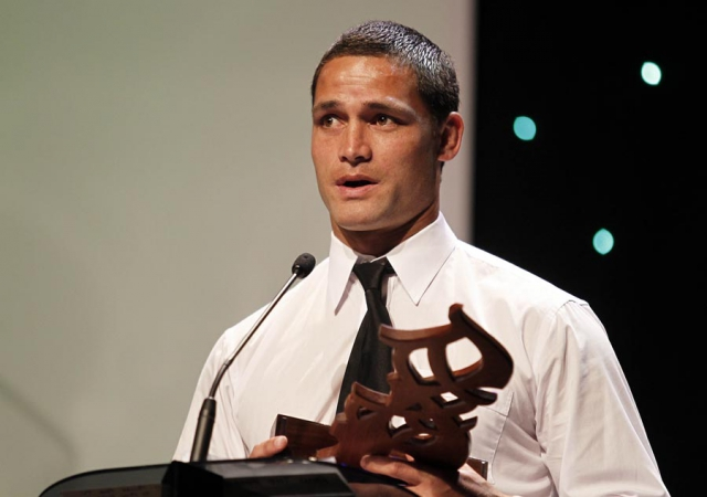 Referee of the Year Henry Perenara (Rugby League). Trillian Trust 20th Maori Sports Awards, Telstra Clear Events Centre, Manukau, Auckland, Saturday 4 December 2010. Photo: Simon Watts/photosport.co.nz