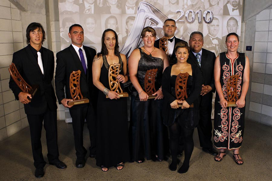 Maori World Champions, L_R, Sam Sutton (extreme kayaking), Cam Ferguson (shearing), Daniella Smith (boxing), Keryn Herbert (wool handling), Jason Wynyard (wood chopping), Atawhai Edwards (karate), Alf Filipaina (Auckland Council, sponsor) and Sheree Alabaster (wool handling). Trillian Trust 20th Maori Sports Awards, Telstra Clear Events Centre, Manukau, Auckland, Saturday 4 December 2010. Photo: Simon Watts/photosport.co.nz