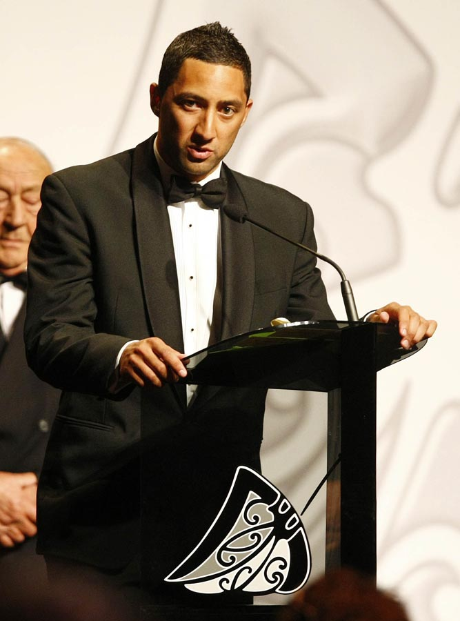 Supreme Award winner and Sportsman of the Year Benji Marshall. Trillian Trust Maori Sports Awards, Manukau Events Centre, Auckland. Saturday 5 December 2009. Photo: Simon Watts/PHOTOSPORT