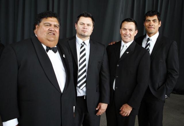 Parekura Horomia, Tony Kemp, guest, Stephen Kearney. Trillian Trust Maori Sports Awards, Manukau Events Centre, Auckland. Saturday 5 December 2009. Photo: Simon Watts/PHOTOSPORT