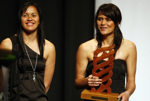 Maori Sports Team of the Year Tu Toa Girls Netball Team. Trillian Trust Maori Sports Awards, Manukau Events Centre, Auckland. Saturday 5 December 2009. Photo: Simon Watts/PHOTOSPORT