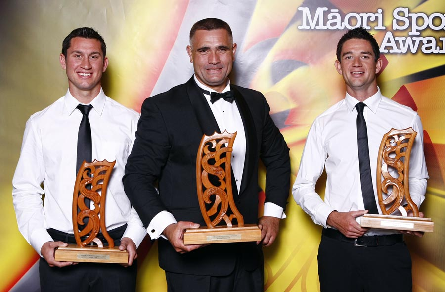 Maori World Champions L_R; , Jade Uru (rowing), Jason Wynyard (wood chopping and Storm Uru (rowing). Trillian Trust Maori Sports Awards, Manukau Events Centre, Auckland. Saturday 5 December 2009. Photo: Simon Watts/PHOTOSPORT
