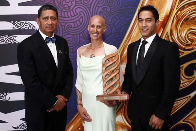 Joanne Kumeroa and Joel Henare are awarded the Maori Sports Team Award. Maori Sports Awards, Telstra Pacific Events Centre Manukau, Saturday 24th November 2012. Photo: Shane Wenzlick / Photosport.co.nz