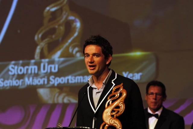 Storm Uru is awarded Senior Maori Sportsman. Maori Sports Awards, Telstra Pacific Events Centre Manukau, Saturday 24th November 2012. Photo: Shane Wenzlick / Photosport.co.nz