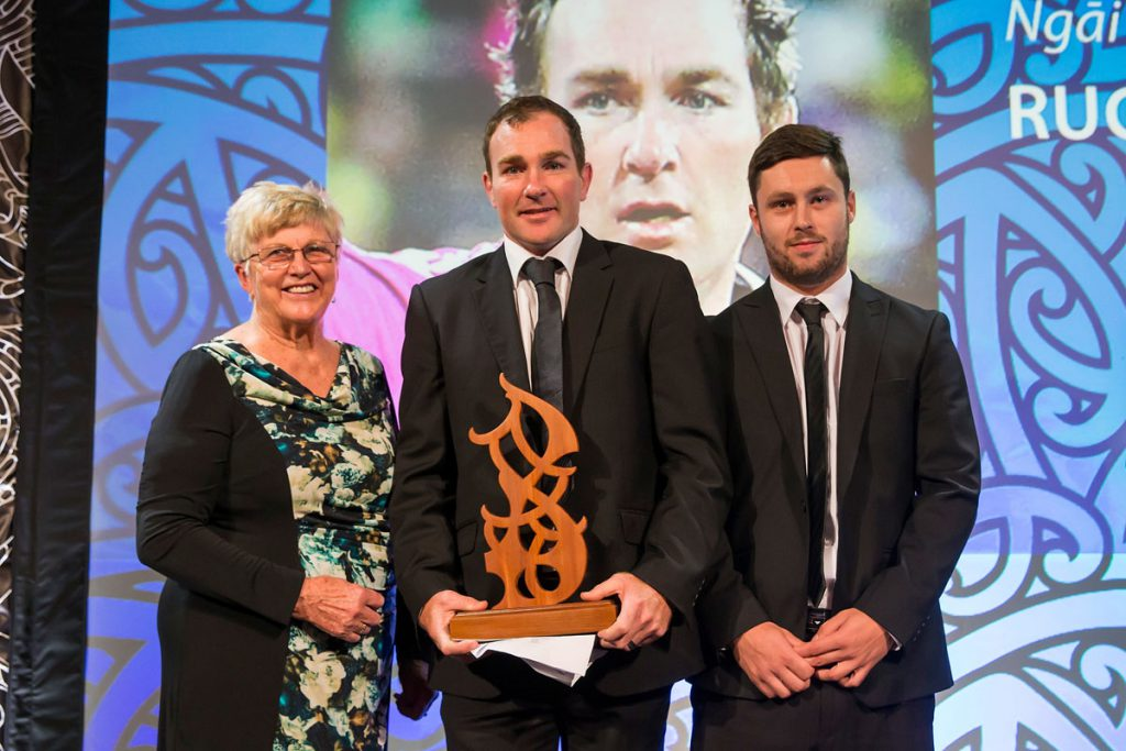 Noeline and Mark Walsh from Four Winds present the Maori Umpire/Referee Award to Glen Jackson, (Ngai Tahu), Rugby at the Trillian Trust Maori Sports Awards, Turangawaewae Marae, River Road, Ngaruawahia, Saturday, November 28, 2015. Copyright photo: David Rowland / www.photosport.nz
