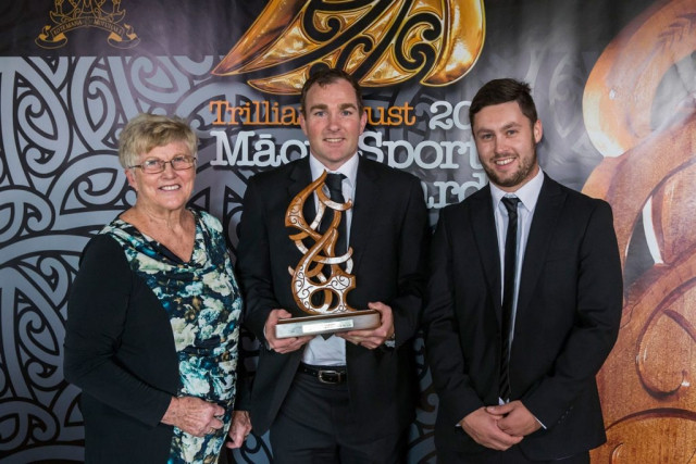 Noeline and Mark Walsh from Four Winds present the Maori Umpire/Referee Award to Glen Jackson, (Ngai Tahu), Rugby at the Trillian Trust Maori Sports Awards, Turangawaewae Marae, River Road, Ngaruawahia, Saturday, November 28, 2015. Copyright photo: David Rowland / www.photosport.nz