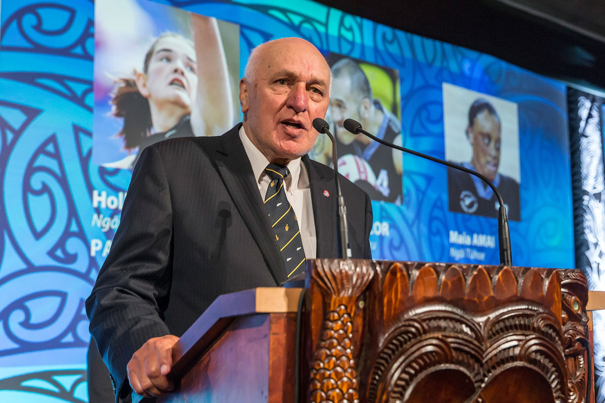 Sir Tamati Reedy presents the Disabled Maori Sports Person Award at the Trillian Trust Maori Sports Awards, Turangawaewae Marae, River Road, Ngaruawahia, Saturday, November 28, 2015. Copyright photo: David Rowland / www.photosport.nz
