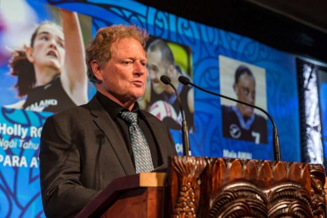 Dennis Watson from Watson & Son presents the Disabled Maori Sports Person Award at the Trillian Trust Maori Sports Awards, Turangawaewae Marae, River Road, Ngaruawahia, Saturday, November 28, 2015. Copyright photo: David Rowland / www.photosport.nz