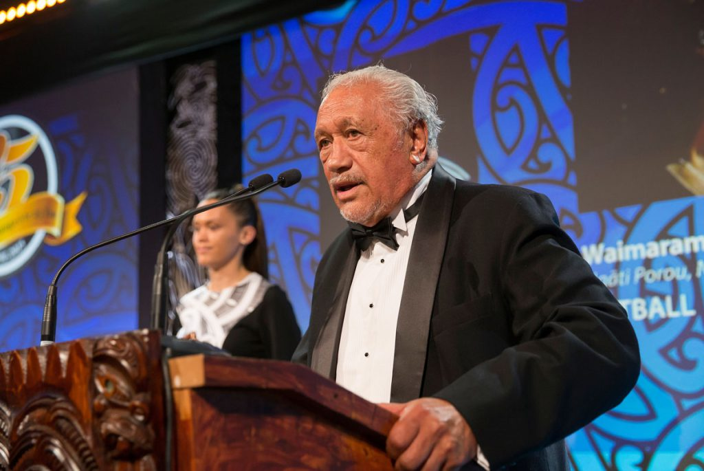 Sir Toby Curtis presents the Maori Sports Coach Award at the Trillian Trust Maori Sports Awards, Turangawaewae Marae, River Road, Ngaruawahia, Saturday, November 28, 2015. Copyright photo: David Rowland / www.photosport.nz