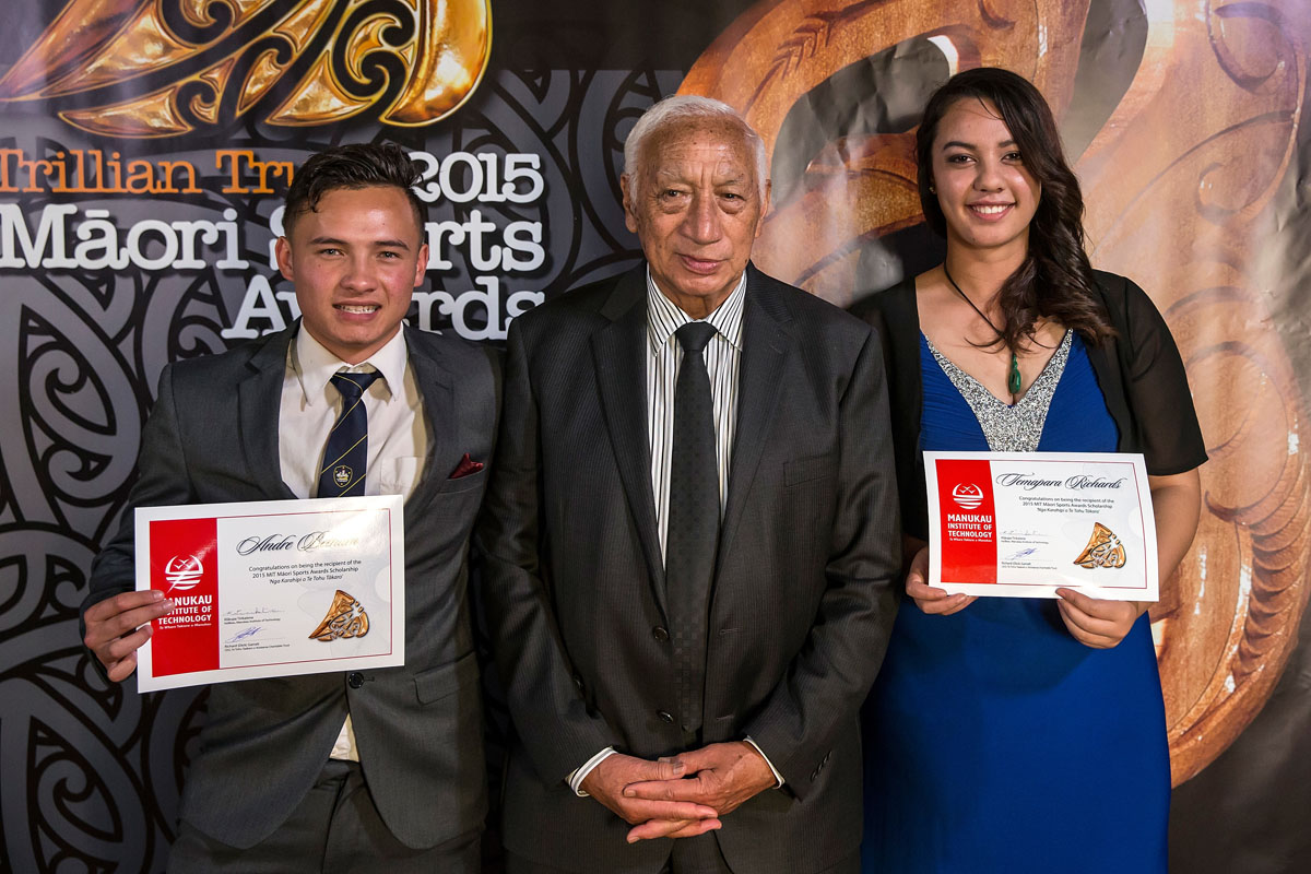 Andre Betham and Temapara Richards accept the Maori Sports Award Scholarships (MIT) from Kukupa Tirikatene from MIT presents to at the Trillian Trust Maori Sports Awards, Turangawaewae Marae, River Road, Ngaruawahia, Saturday, November 28, 2015. Copyright photo: David Rowland / www.photosport.nz