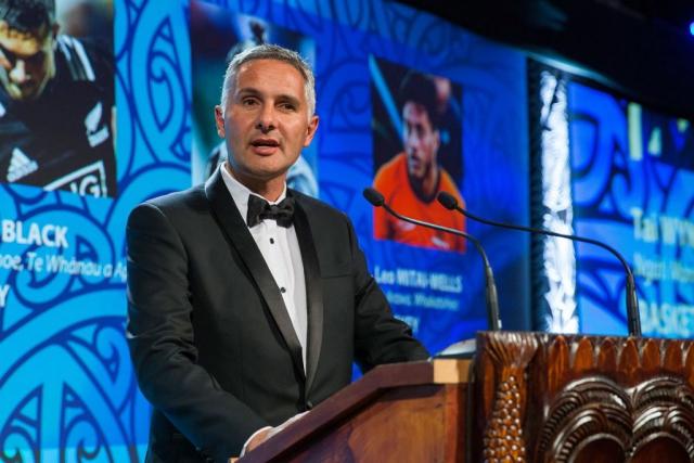 Mike Taitoko from MRP presents the Junior Maori Sportsman Award at the Trillian Trust Maori Sports Awards, Turangawaewae Marae, River Road, Ngaruawahia, Saturday, November 28, 2015. Copyright photo: David Rowland / www.photosport.nz