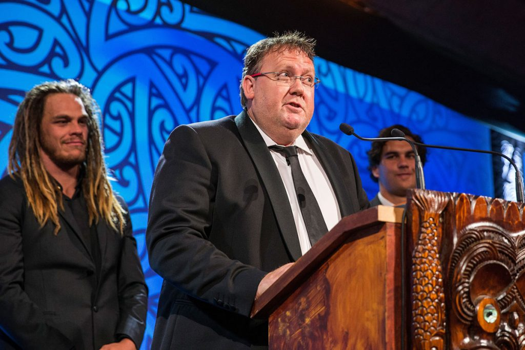 Dean Agnew from Trillian presents the Albie Pryor Memorial Maori Sportsperson of the Year Award at the Trillian Trust Maori Sports Awards, Turangawaewae Marae, River Road, Ngaruawahia, Saturday, November 28, 2015. Copyright photo: David Rowland / www.photosport.nz