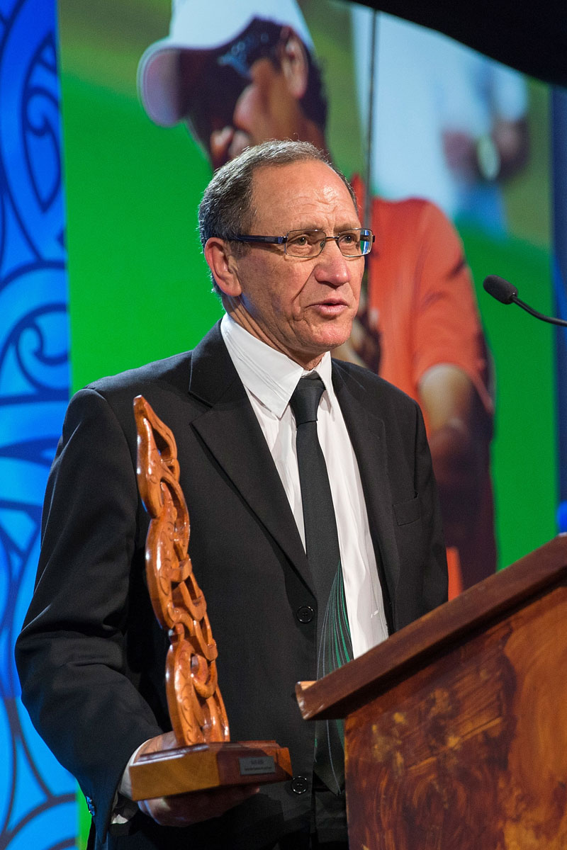 Bruce Campbell accepts the Manu - Kura - Best maori sportsman of the past 25 years Award on behalf of Michael Campbell at the Trillian Trust Maori Sports Awards, Turangawaewae Marae, River Road, Ngaruawahia, Saturday, November 28, 2015. Copyright photo: David Rowland / www.photosport.nz