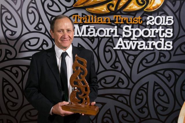 Bruce Campbell accepts the Manu - Kura - Best maori sportsman of the past 25 years Award on behalf of Michael Campbell at the Trillian Trust Maori Sports Awards, Turangawaewae Marae, River Road, Ngaruawahia, Saturday, November 28, 2015. Copyright photo: David Rowland / www.photosport.nz