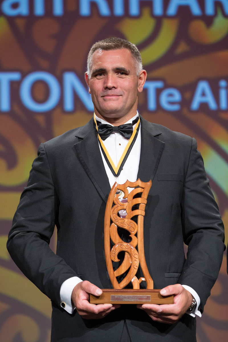 Wood Choppimg`s Jason Wynyard receives the TPK Maori World Champions Award at the Maori Sports Awards 2014, Vodafone Events Centre, Manukau, Auckland, New Zealand, Saturday, November 29, 2014. Photo: David Rowland/Photosport