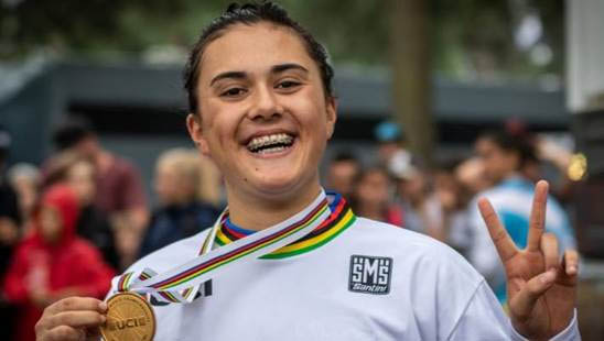 JESSIE SMITH WINS WORLD JUNIOR BMX TITLE
