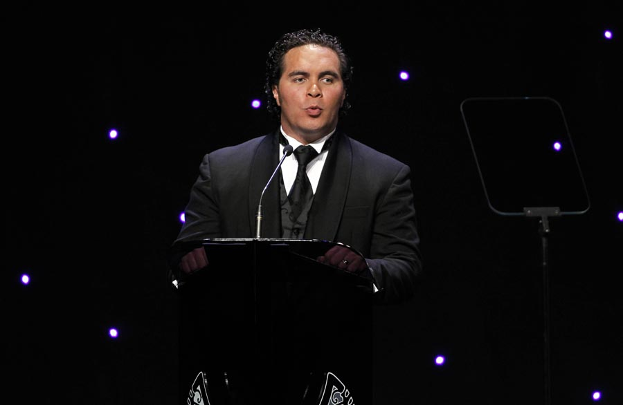 Awards MC Te Arahi Maipi. Trillian Trust 20th Maori Sports Awards, Telstra Clear Events Centre, Manukau, Auckland, Saturday 4 December 2010. Photo: Simon Watts/photosport.co.nz