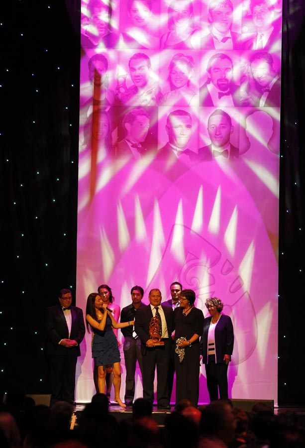 Supreme Award winner Hosea Gear (rugby union), recieved on his behalf by Parents Ricky and Ani Gear. Trillian Trust 20th Maori Sports Awards, Telstra Clear Events Centre, Manukau, Auckland, Saturday 4 December 2010. Photo: Simon Watts/photosport.co.nz