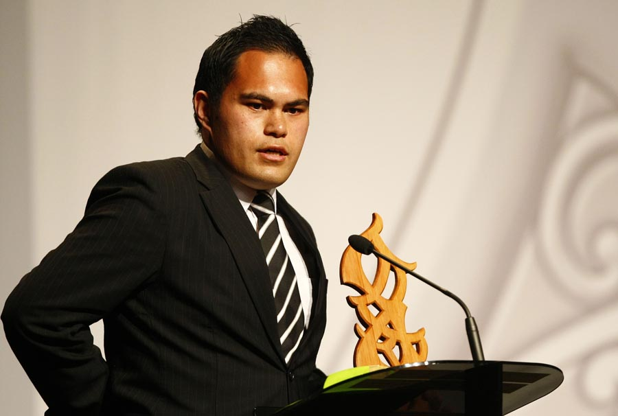 Maori Umpire/Referee of the Year winner Sheldon Eden-Whaitiri (rugby). Trillian Trust Maori Sports Awards, Manukau Events Centre, Auckland. Saturday 5 December 2009. Photo: Simon Watts/PHOTOSPORT