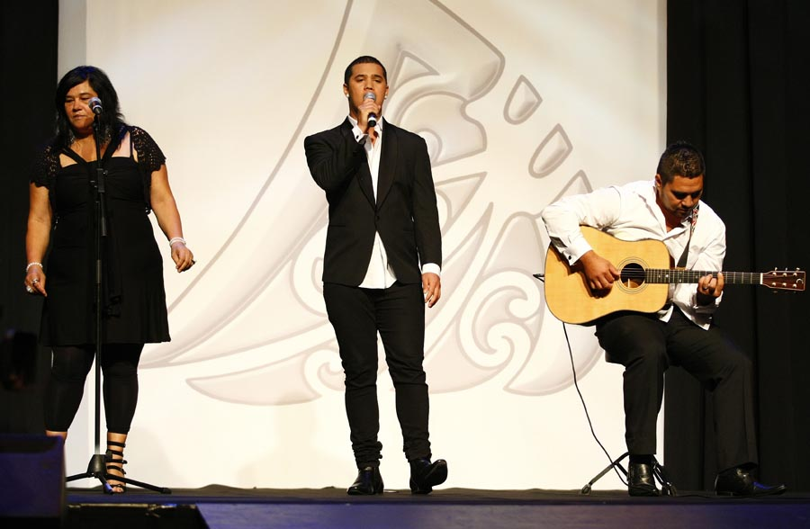 Australian Idol winner Stan Walker entertains the crowd. Trillian Trust Maori Sports Awards, Manukau Events Centre, Auckland. Saturday 5 December 2009. Photo: Simon Watts/PHOTOSPORT