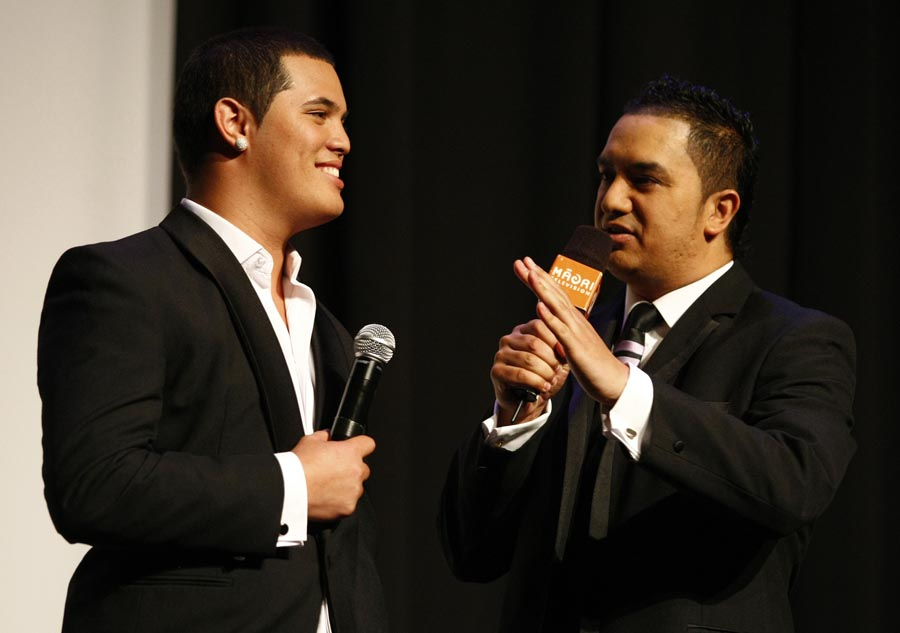 Australian Idol winner Stan Walker is interviewed by host.... Trillian Trust Maori Sports Awards, Manukau Events Centre, Auckland. Saturday 5 December 2009. Photo: Simon Watts/PHOTOSPORT