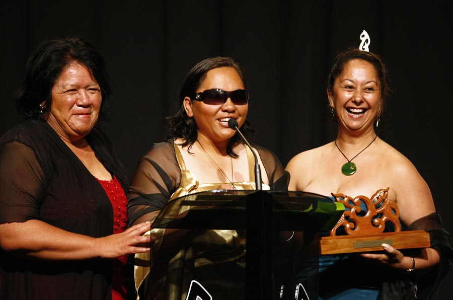 Best Community Initative Award winners Huakina Trust.. Trillian Trust Maori Sports Awards, Manukau Events Centre, Auckland. Saturday 5 December 2009. Photo: Simon Watts/PHOTOSPORT