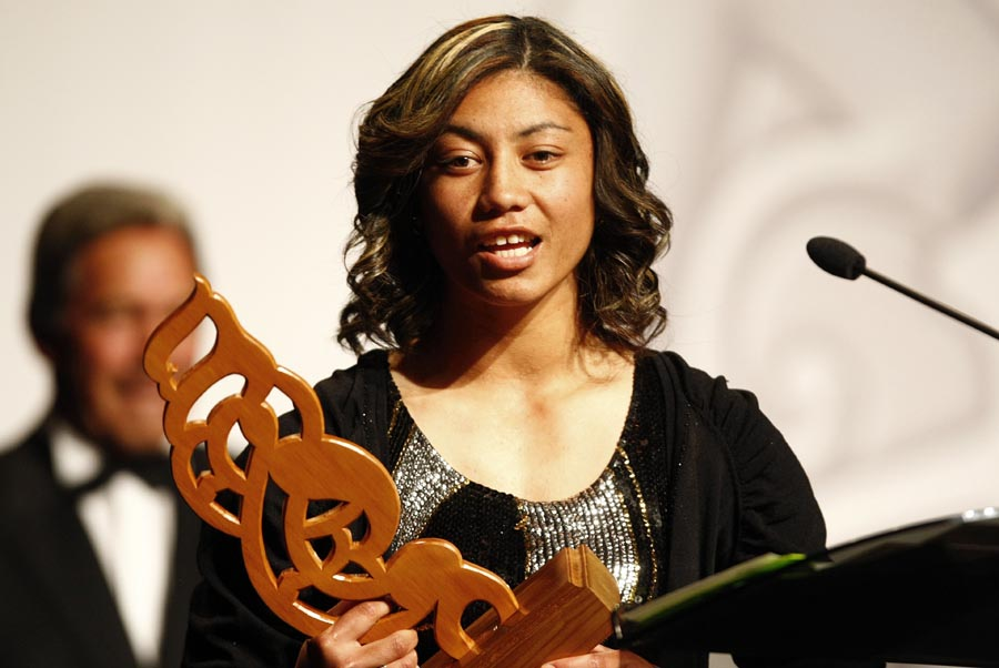 Sportswoman of the Year Award winner Renee Wickliffe (rugby touch sevens). Trillian Trust Maori Sports Awards, Manukau Events Centre, Auckland. Saturday 5 December 2009. Photo: Simon Watts/PHOTOSPORT