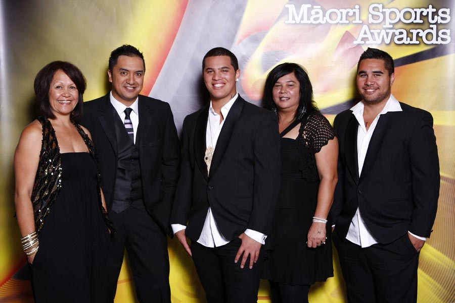 Australian Idol winner Stan Walker with Maori TV presenter..... Trillian Trust Maori Sports Awards, Manukau Events Centre, Auckland. Saturday 5 December 2009. Photo: Simon Watts/PHOTOSPORT